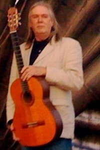 maurice_guitar